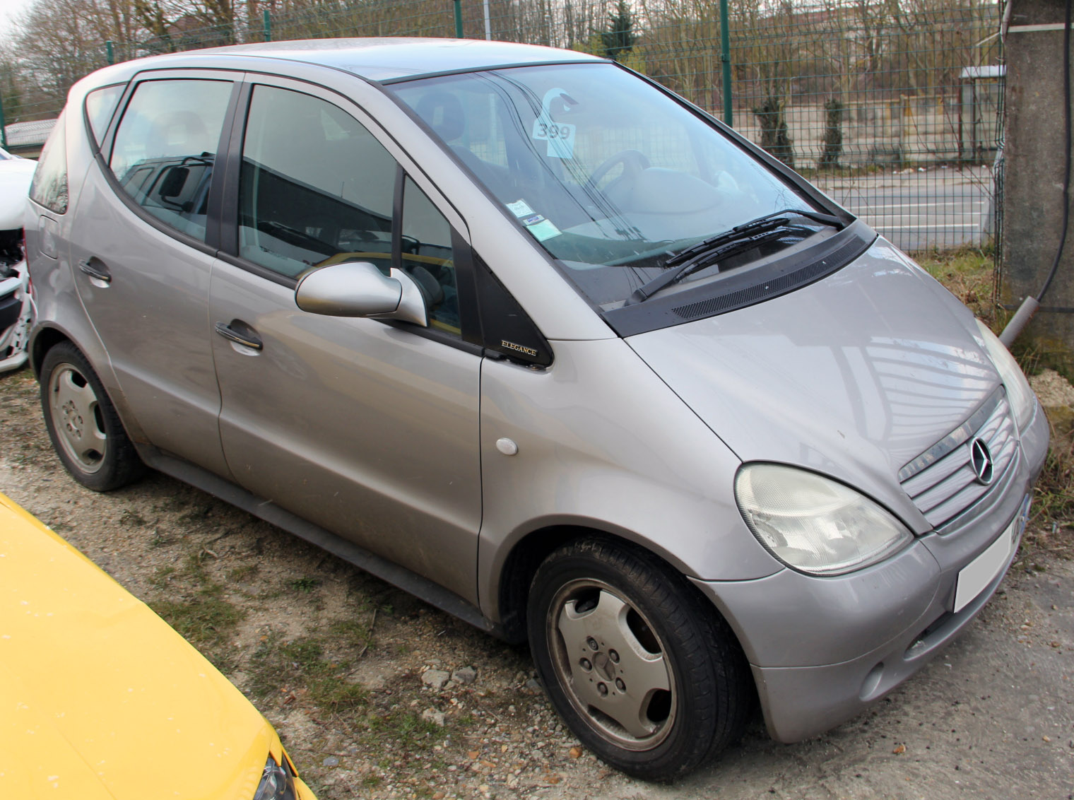 Mercedes Classe A 160 accidentée