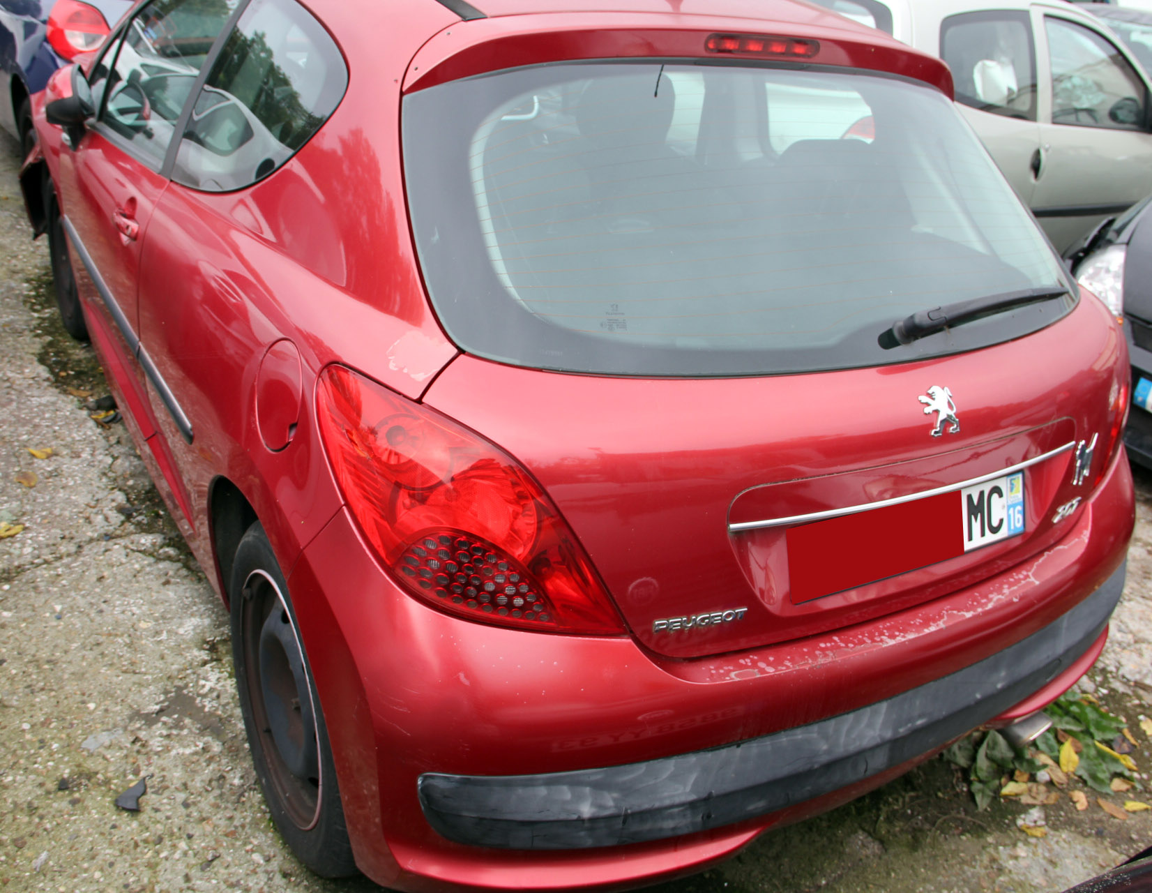 Peugeot 207 - 90 sport accidentée