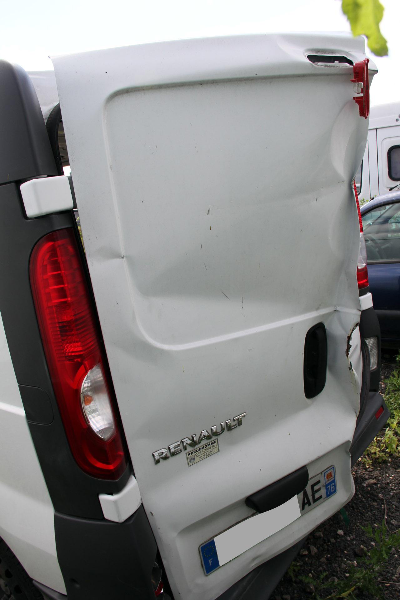 Renault Trafic accidenté RSV/ VEI