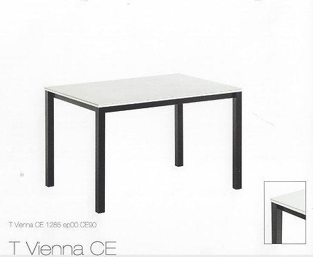Table Vienna chez Meubles Poitoux à Bastogne
