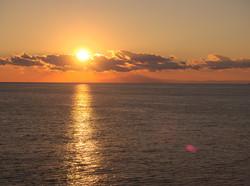 伊豆大島からの日の出