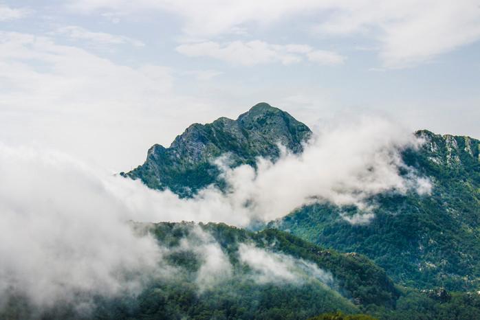 Monte-Folgorito---nebbia-2-[dal-M.-Fredd