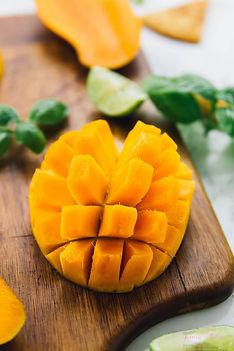 Mango-Basil-Salsa-vegan-easy-3.jpg