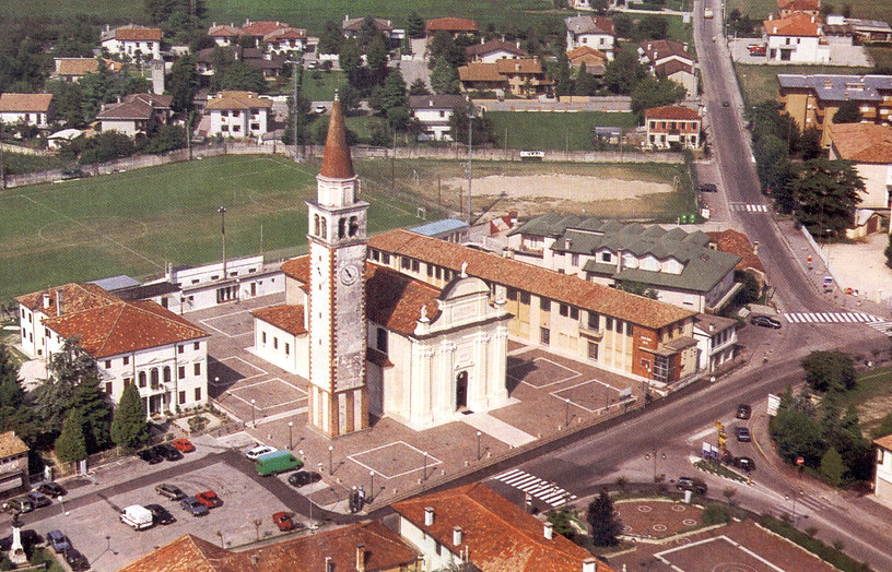 023 praça - Italia 1991 (1).jpg