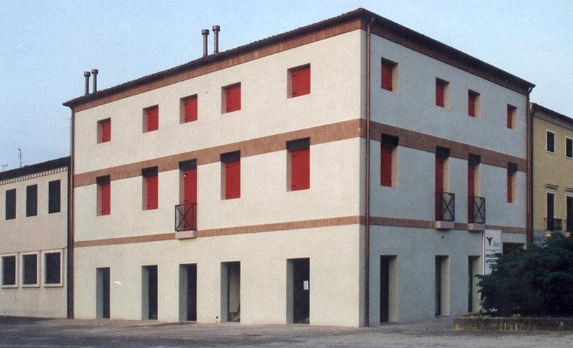 022 tribunal - Italia 1995 (2).jpg