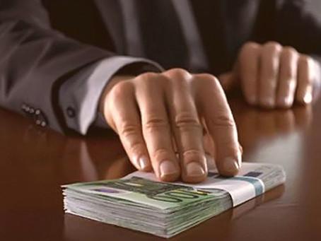 Что грозит компании, если ее сотрудник дал взятку либо «откат»?