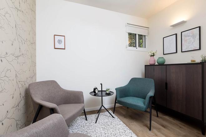 חדר שיחה, פינת ישיבה ושולחן עבודה