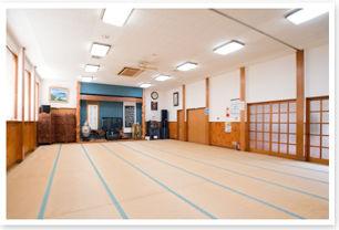 御目井戸荘 音楽ホール.jpg