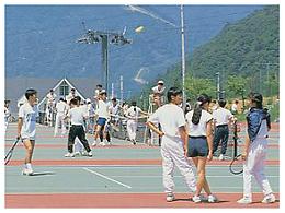 ギンレイホテル テニスコート.png