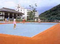 ホテルサンバード テニスコート.jpg