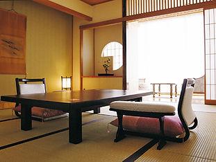 ホテル花いさわ 和室.jpg