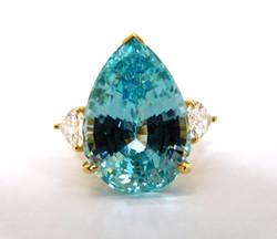 Aquamarine & 18kt Ring