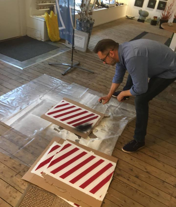 Creating the iconic striped trunks