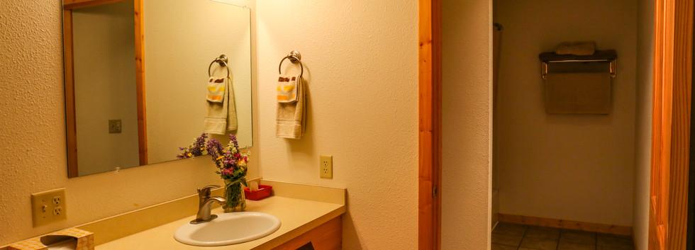 Large bathroom, main floor
