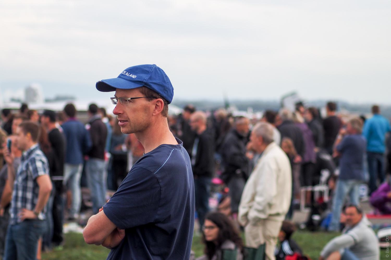 Mann mit blauer Mütze