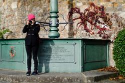 Fotografin am Brunnen