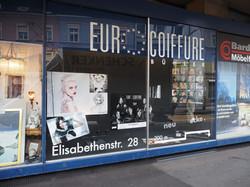 Schaufenster beim Theater Basel