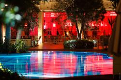 Hotel_Pool bei Nacht