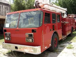 Leilão de 1,1 mil veículos em SP tem até caminhão de bombeiro