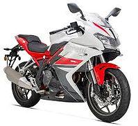 Benelli bn 302R moto A2 sport carenada terrassa barcelona