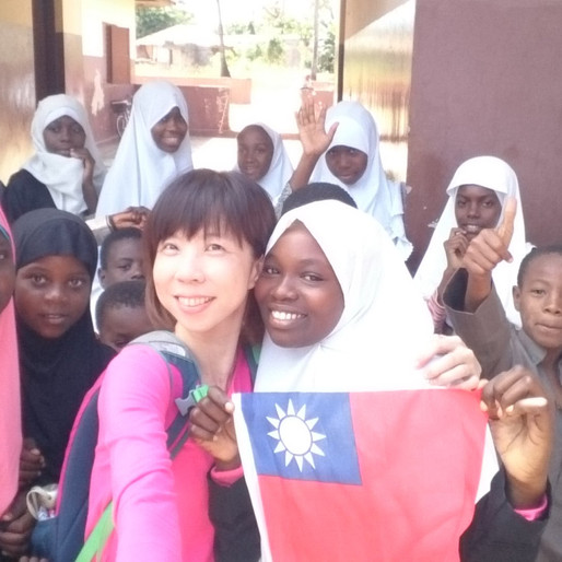 Ep. 36 世界就是大大的學習教室 - 非洲篇 ft. 思思 The World Is My Classroom part.1 ft. Stephanie