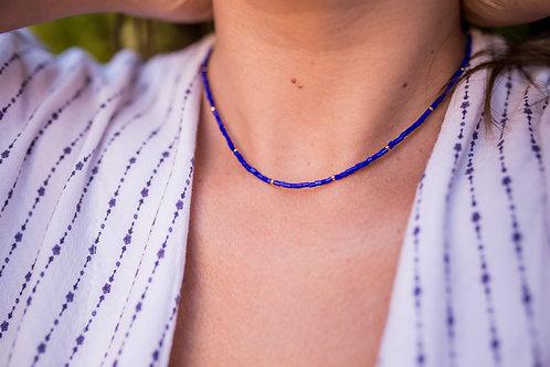 H2099 - Colar Choker Vidrilhos Azul Marinho com Bolinhas