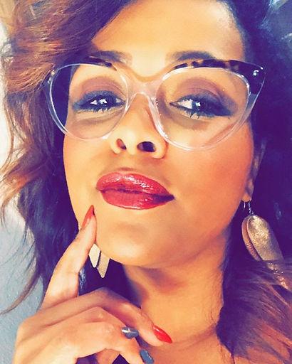 #glassesgirl #glassesswag #singlegirl #b