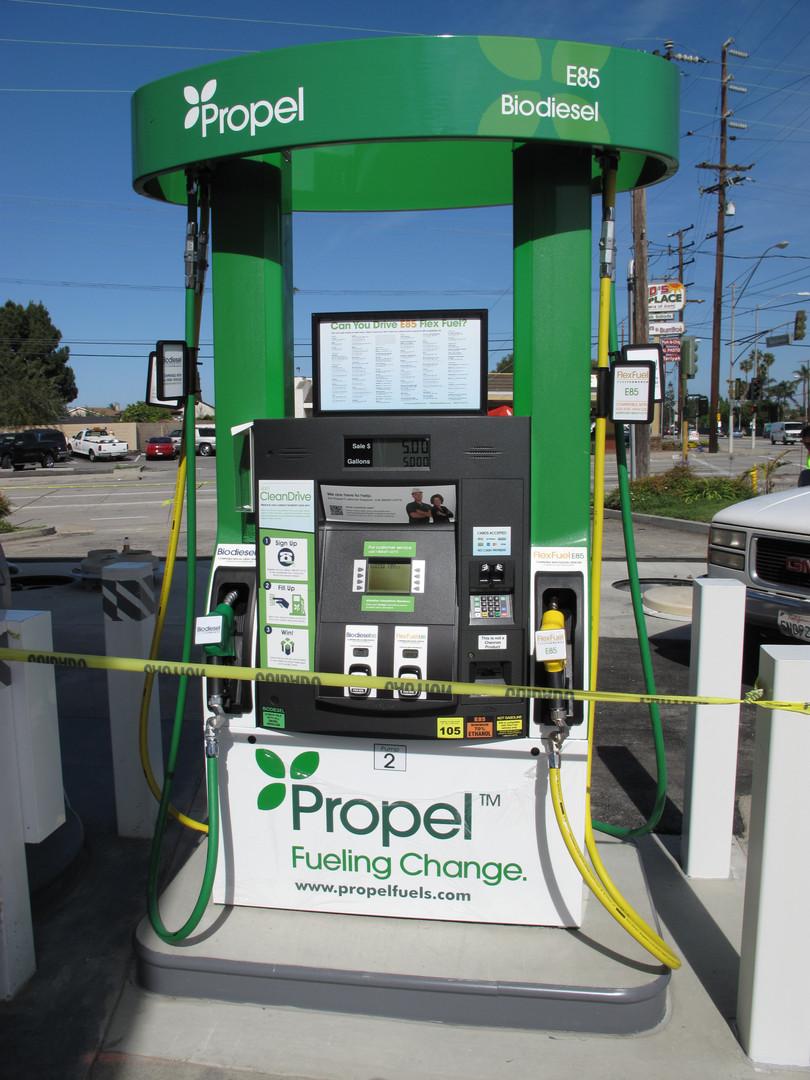 Fueling 2014 (11).JPG