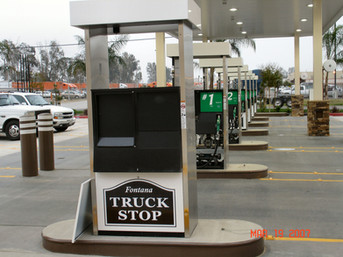 Gas Station-TrckSt0p-2014(7).JPG