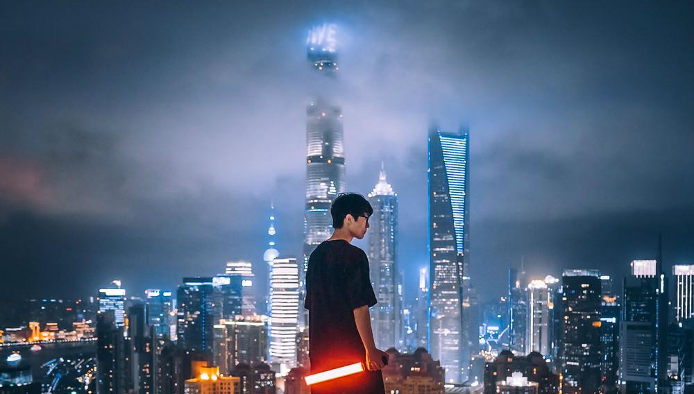 Un jeune gen Z chinois à Shanghai