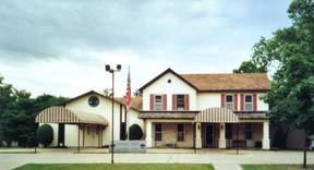 Chapel Oaks Holton 524 Pennsylvania Holton, KS 66436 785.364.2141