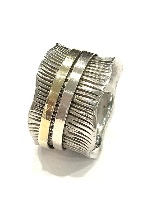 Galio Sterling Silver Scalloped Spinner Ring