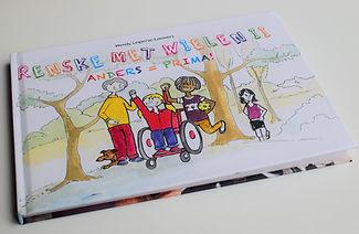 Kinderboek met een Boodschap over Rolstoel en vriendschap: Renske met Wielen II, Anders=prima!