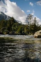 Ruisseau, pyrenees france.jpg