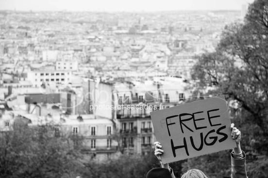 Pancarte Free Hugs, Paris.jpg