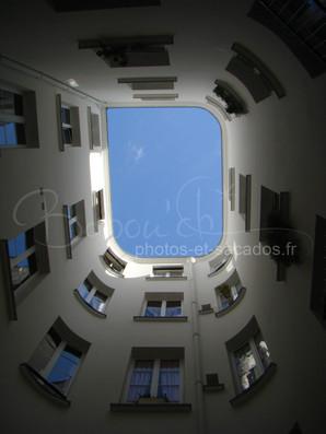 vue sur le ciel parisien, France.jpg