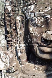 Le_Bayon,_Cité_d'Angkor,_Cambodge.jpg