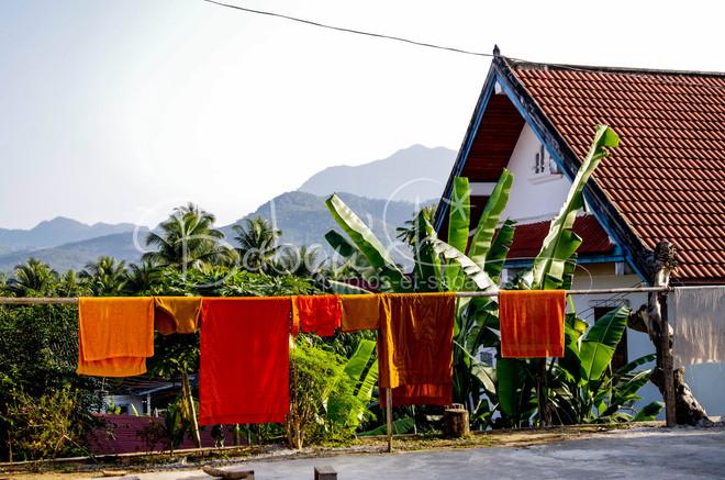 vue sur les petites montagnes, Luang Pra