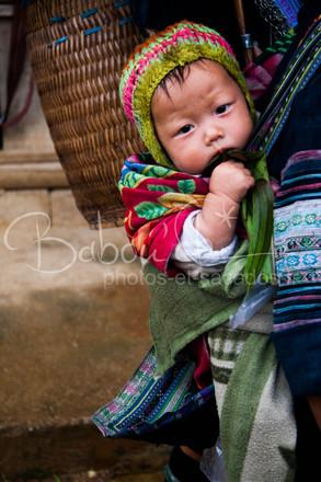 Bébé_Khmong_region_de_Sapa_Vietnam_jui