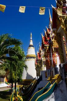 temple_de_paksé,_laos,_janvier_2014.jpg