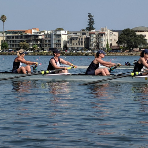 Advance Women charging off the start line at USRowing Masters Nationals