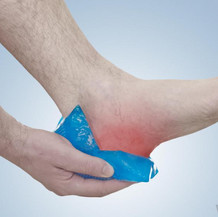 applying-ice-to-heel.jpg