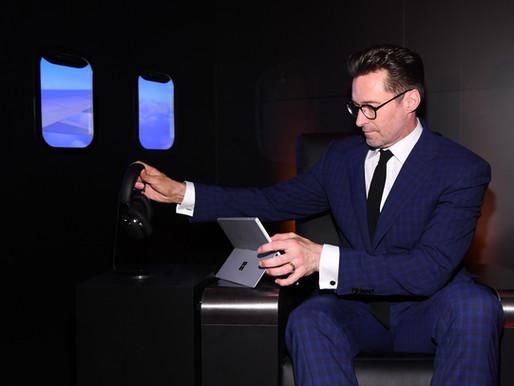 休傑克曼帥氣力挺萬寶龍於紐約發表首款全罩式智能耳機