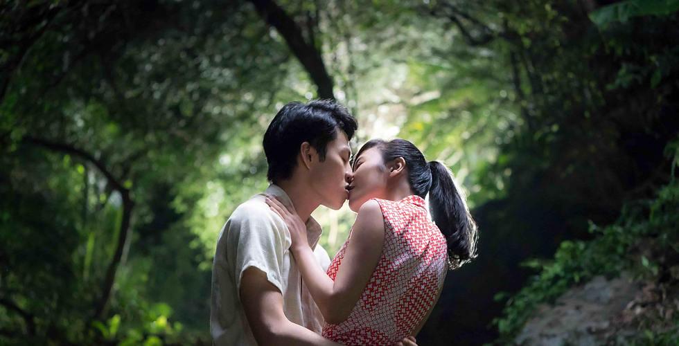 李鴻其與方宥心甜蜜演出吻戲.jpg