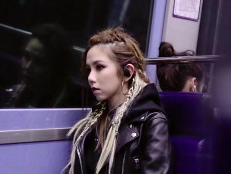 """鄧紫棋 夜遊巴黎街頭 推新MV """"Fly Away"""""""
