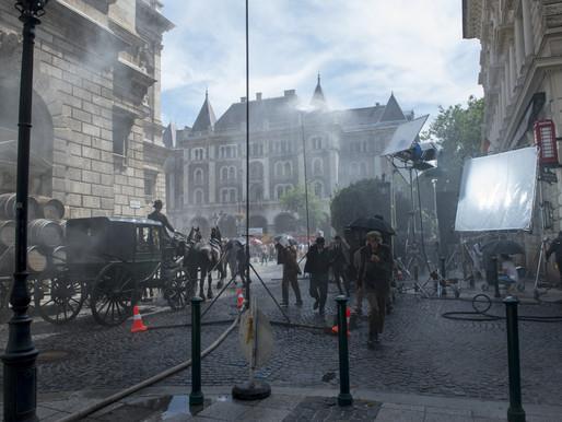 《索爾之子》金獎導演 零特效底片 斥3 億搭景打造「非典型恐怖之美」懸疑電影