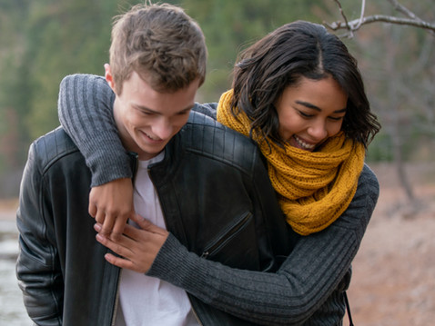 穿越生死虐戀《觸不到的愛》「暴風女」與尼可拉斯漢米頓新《第六感生死戀》