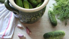 Surówka z ogórka kiszonego i zielonego