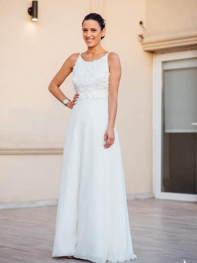 Lucia y su vestido americano con flores 3D