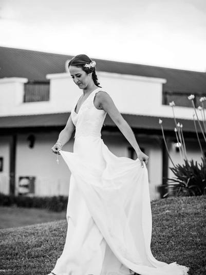 Cami y su vestido con cola desmontable